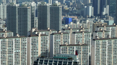 {htmlspecialchars([기자수첩]'부동산 정치'에 갇혀 사라진 '경제 성장 정책')}