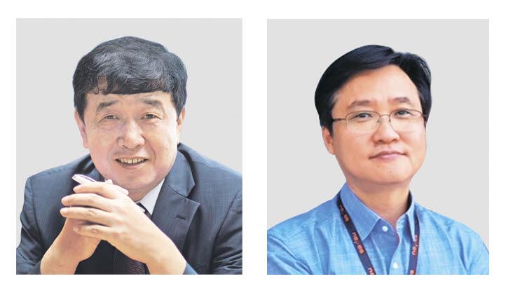 이정환 키파운드리 기술본부장(왼쪽)과 김종헌 네패스 CTO