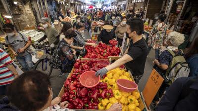 추석 앞두고 과일·고깃값 강세…배 소매가 22%↑