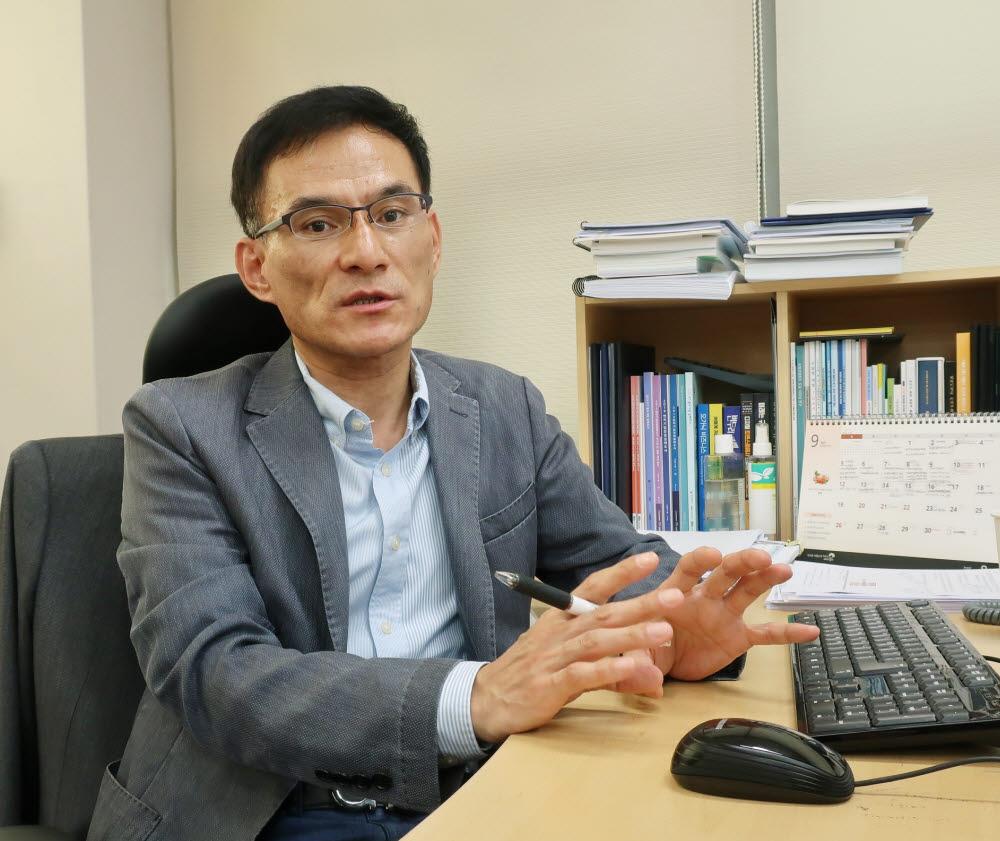 유정희 벤처기업협회 혁신벤처정책연구소 부소장
