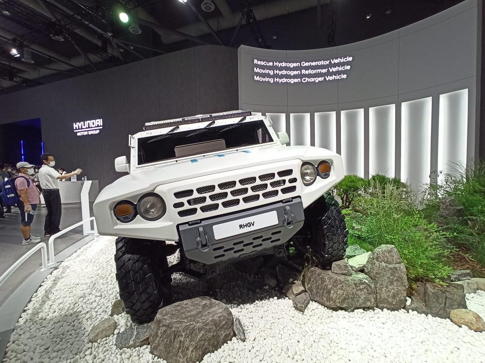 수소모빌리티+쇼에 출품한 재난구호용 수소발전차. 본지 취재 결과, 기아가 개발한 차기 모델로 확인됐다.