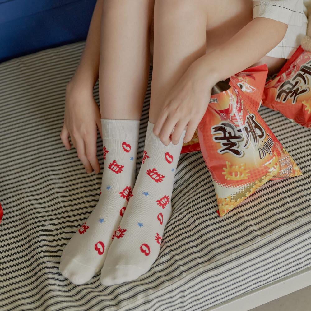 """""""양말도 꽃게랑""""...빙그레, 바나나시스터즈와 협업 패션양말 선봬"""