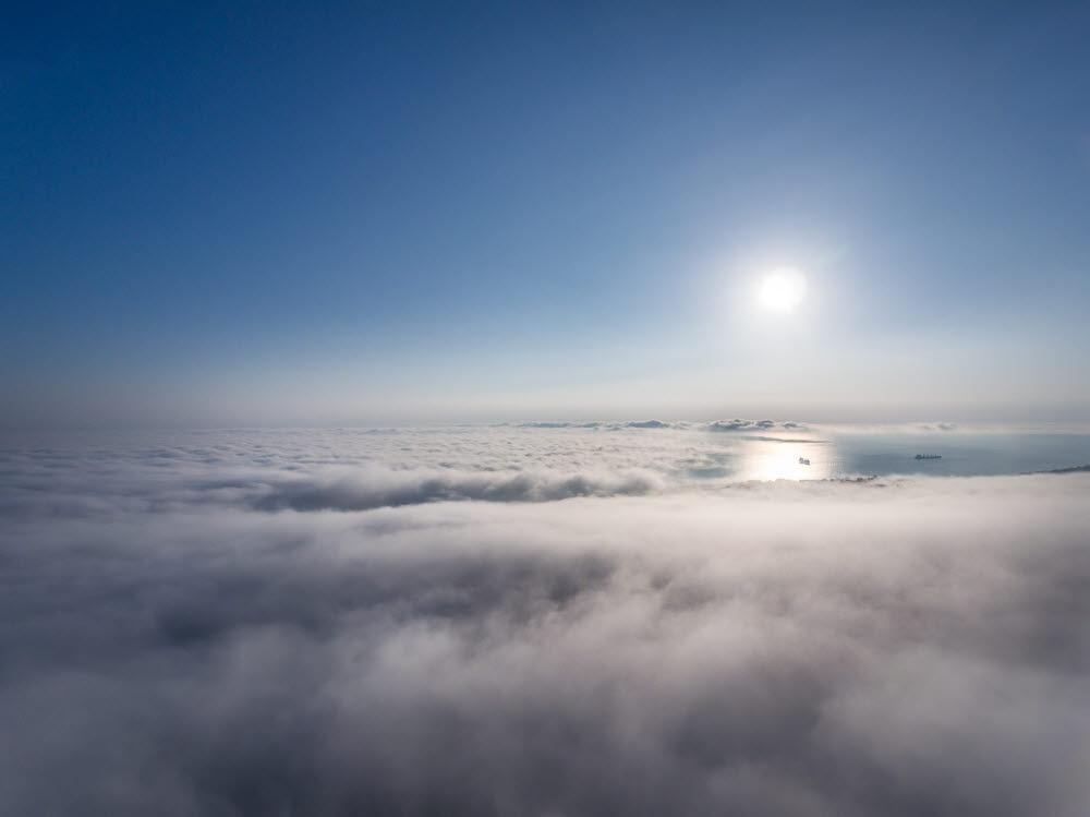 성층권에서 한 달 이상 체류하는 태양광 드론 개발 추진