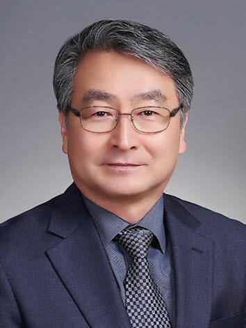 조영욱 부산여자상업고등학교 교장.