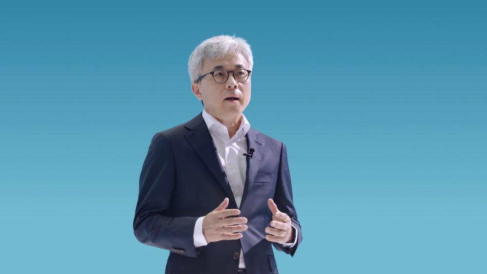 최시영 삼성전자 파운드리사업부 사장이 6일(미국 현지시간) 온라인으로 열린 삼성 파운드리 포럼 2021에서 기조 강연을 했다.