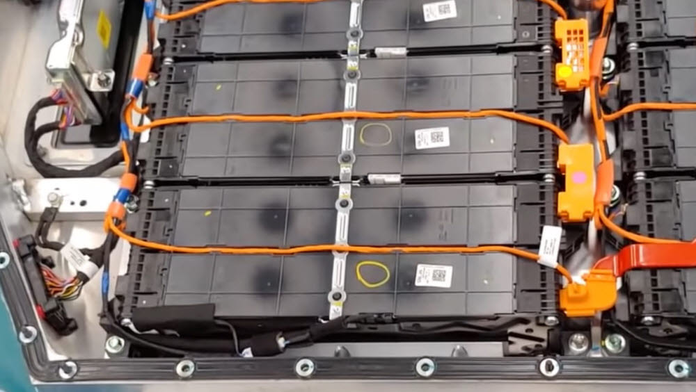 굿바이카가 유튜브 영상을 통해 공개한 아이오닉5 배터리 시스템.