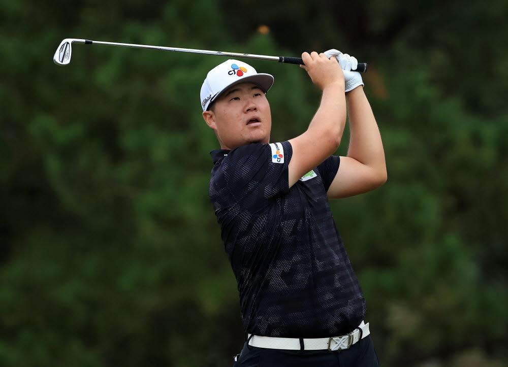 지난달 30일(현지시간) 미국 미시시피주 잭슨의 잭슨 컨트리클럽에서 열린 미국프로골프(PGA) 투어 샌더슨 팜스 챔피언십 1라운드 13번 홀에서 임성재(23)가 티샷을 하고 있다. 그는 이날 5언더파 67타를 기록, 공동 7위에 올랐다.