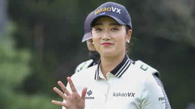 """이틀 연속 단독 선두 한진선 """"첫 승 기회 꼭 잡겠다"""""""