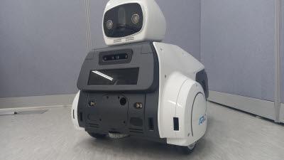 {htmlspecialchars(세오, 열화상카메라·소화기 탑재 보안 서비스 로봇 아르보 신모델 출시)}